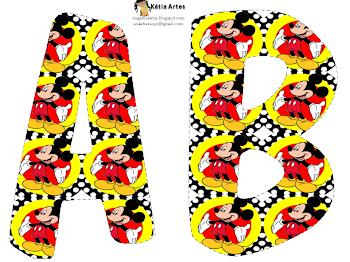 Alfabeto de Mickey sobre fondo con lunares.