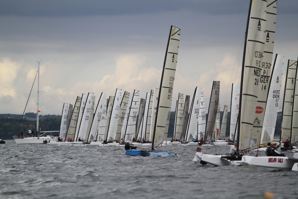 how to start a sailing race