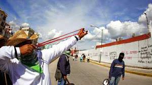 MÉXICO / Maestros y estudiantes escalan protestas por secuestro y desaparición de 43 normalistas