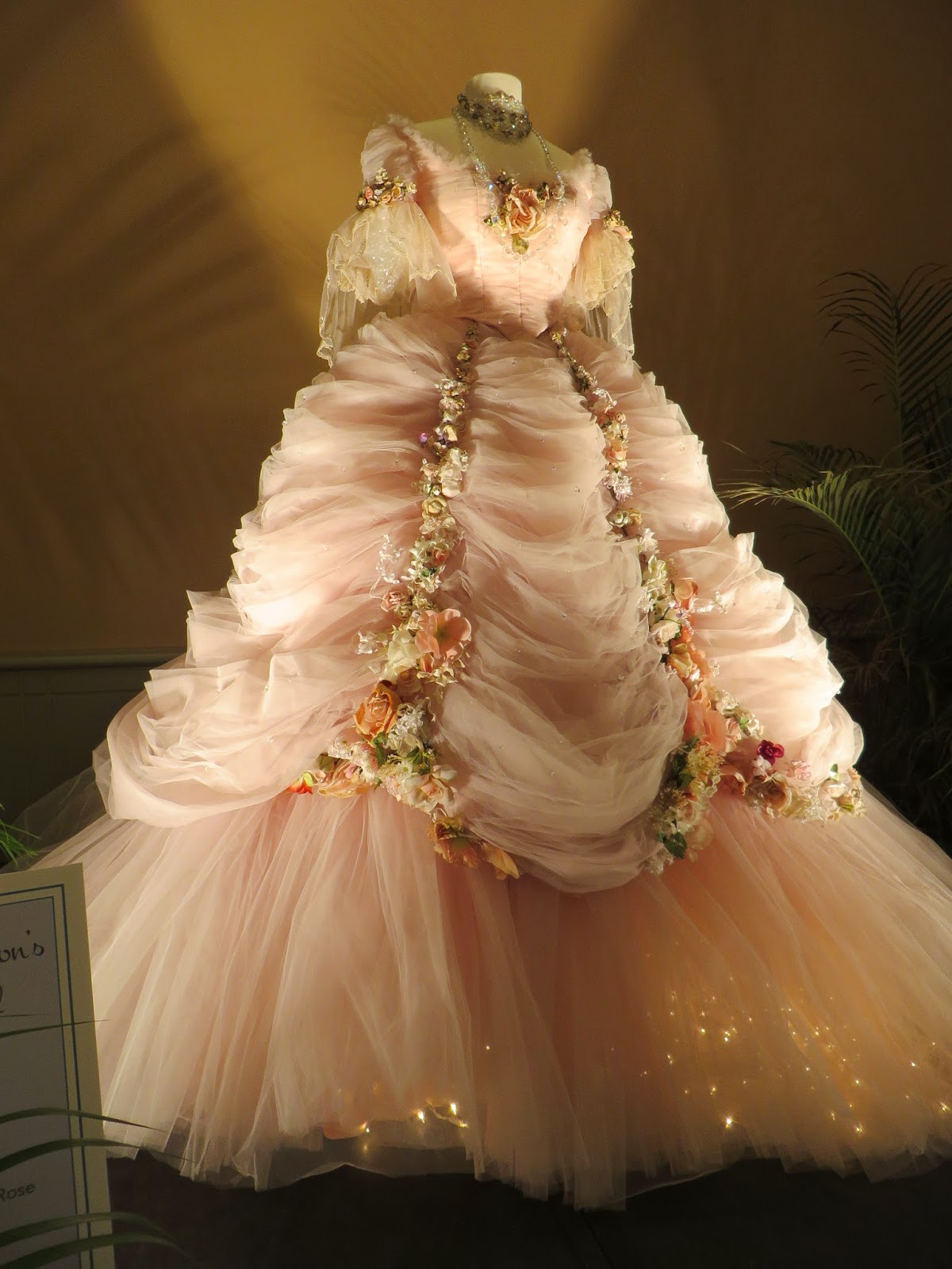 Washington Speaks: Hollywood gowns at the Philadelphia Flower Show