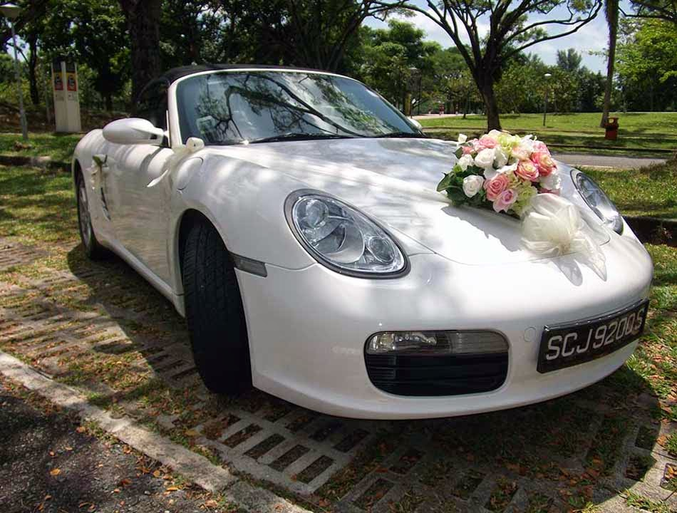 Elegant White Wedding Car Decor Design Ideas Pictures