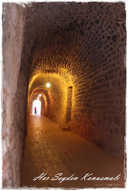 Mor Gabriel Manastırı, koridor