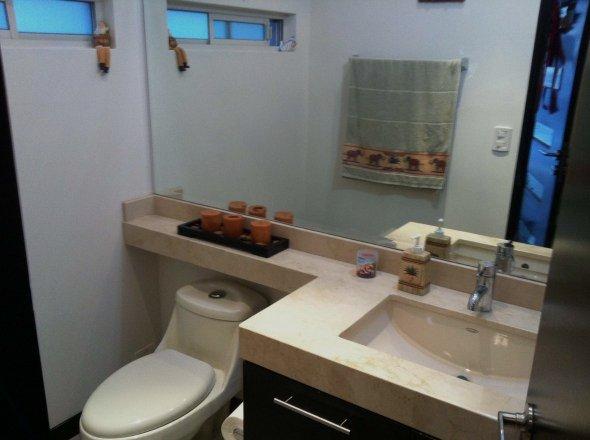 Muebles De Baño Estilo Minimalista:Distintos estilos en muebles y mosaicos para el baño