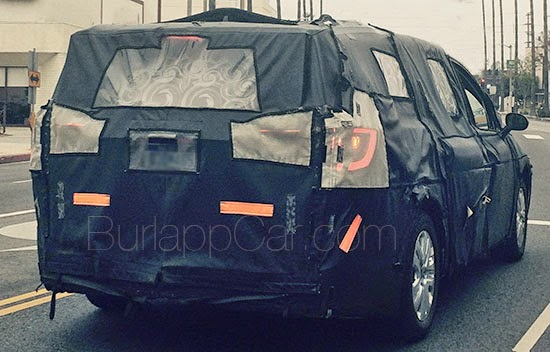 chrysler spy spyshot future minivan 2017