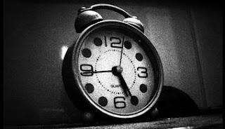 Tómate un tiempo para escribir una lista de las cosas que debes ignorar durante el día