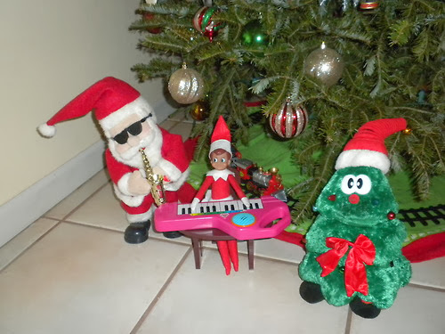 Elf On The Shelf Making Music