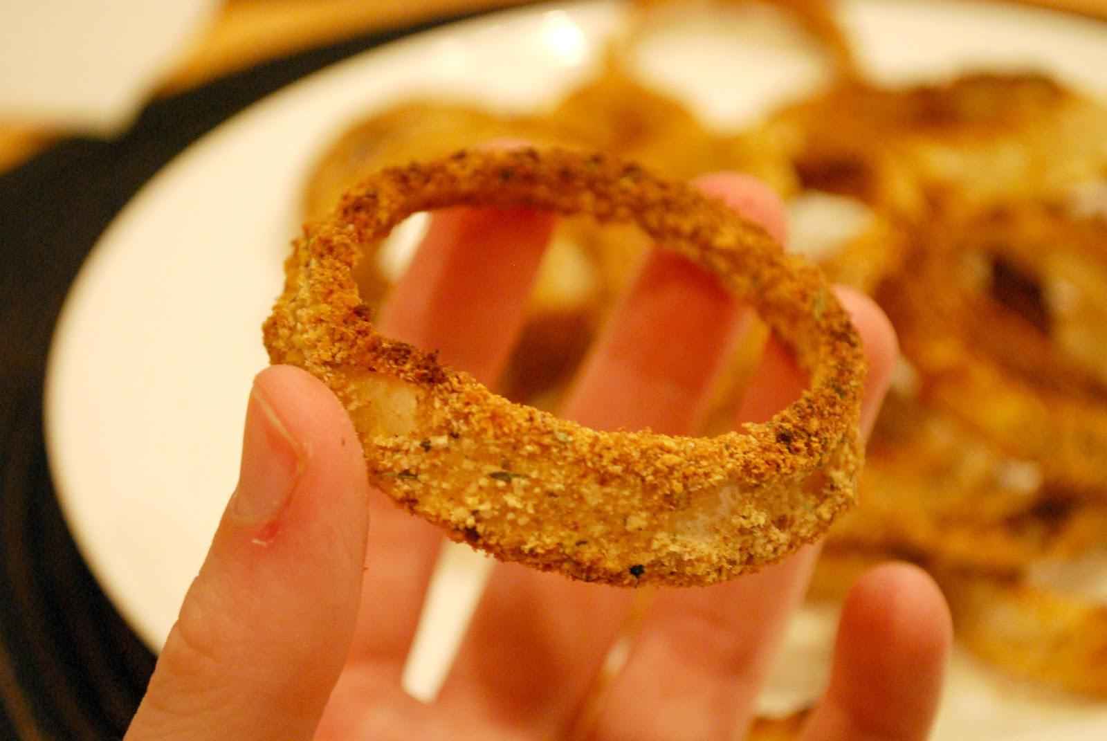 Girl's Guilty Pleasures: Crispy Oven Baked Onion Rings