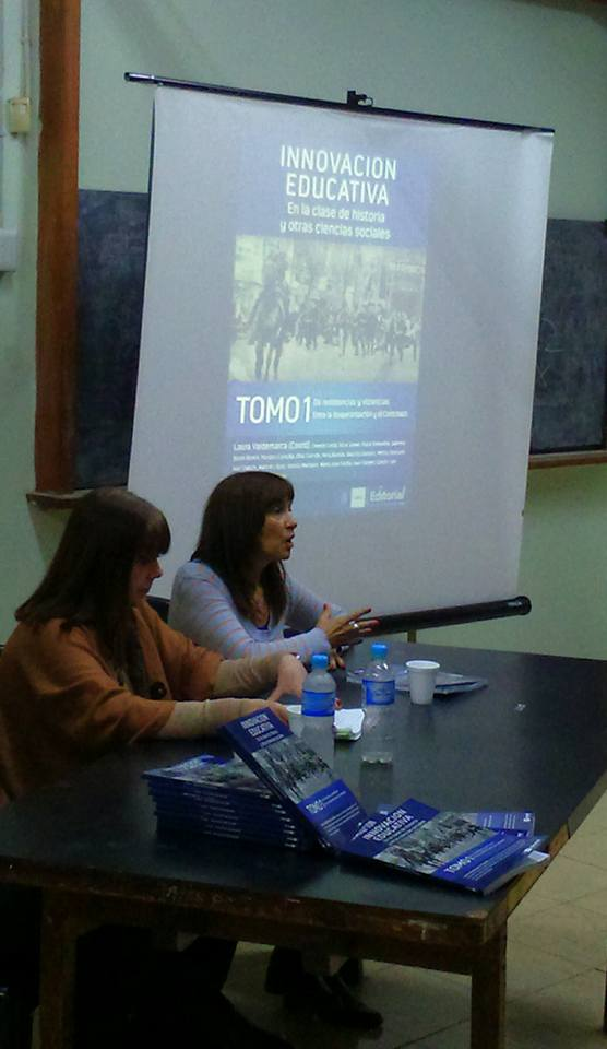 """Presentación del Libro """"Innovación Educativa en la clase de Historia y otras Ciencias Sociales""""..."""
