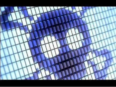 A Avast, que fornece soluções de antivírus, divulgou no seu blog ter identificado um aplicativo (aplicação) pornográfico que imita o Dubsmash, um dos aplicativos mais populares do momento e que permite fazer dobragens em vídeo. O Dubsmash tem cerca de 10 milhões de instalações a partir do Google Play.