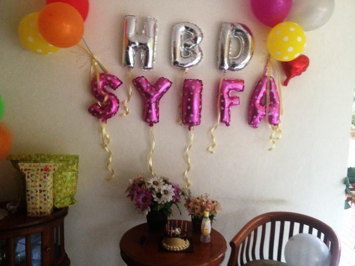 12 gambar dekorasi ulang tahun anak sederhana di rumah for Dekor kamar hotel ulang tahun