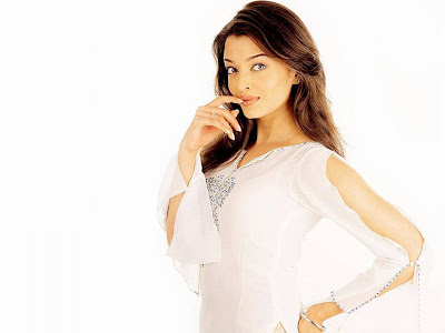 Aishwarya Rai 2010 HQ Wallpapers
