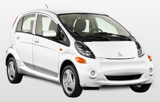 2012 Mitsubishi i MiEV white pearl