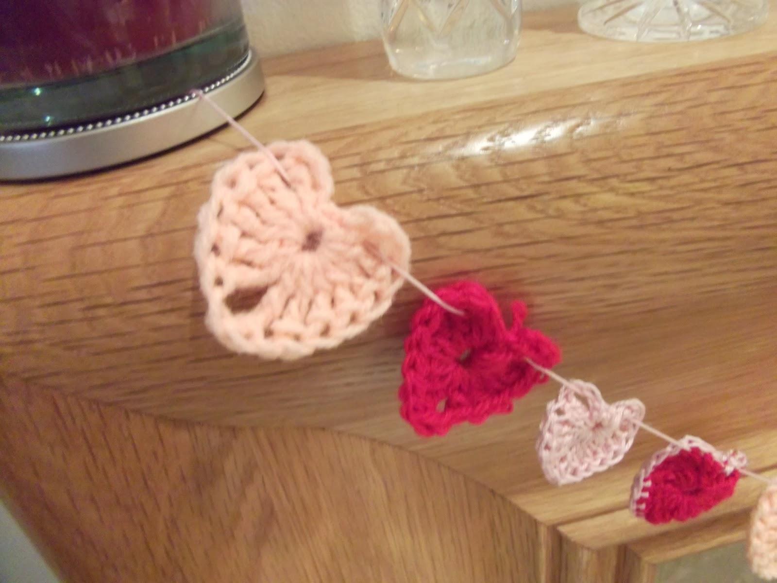 Mini heart bunting