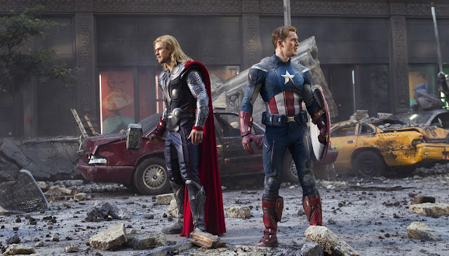 the Avengers - Thor (Chris Hemsworth) e Capitan America (Chris Evans)