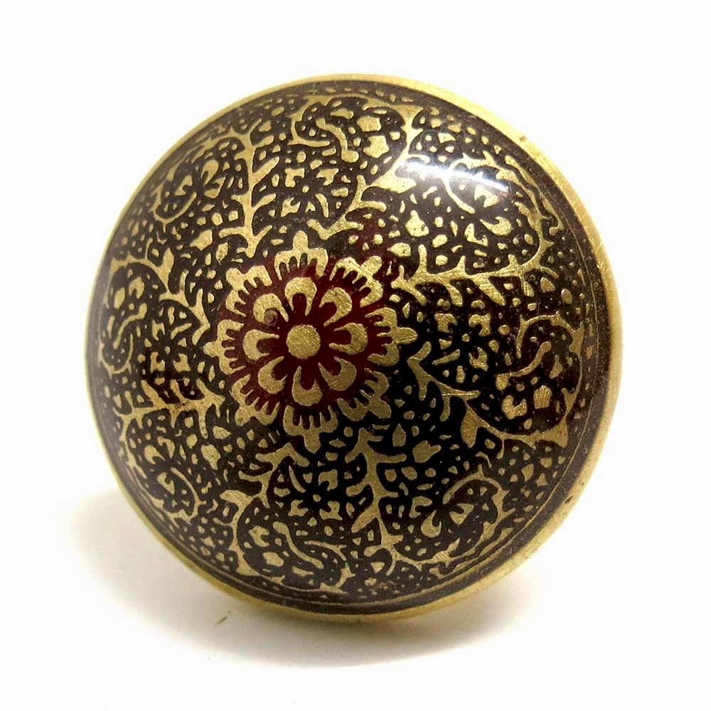 Ring with Ethnic Artwork   Top Attractions