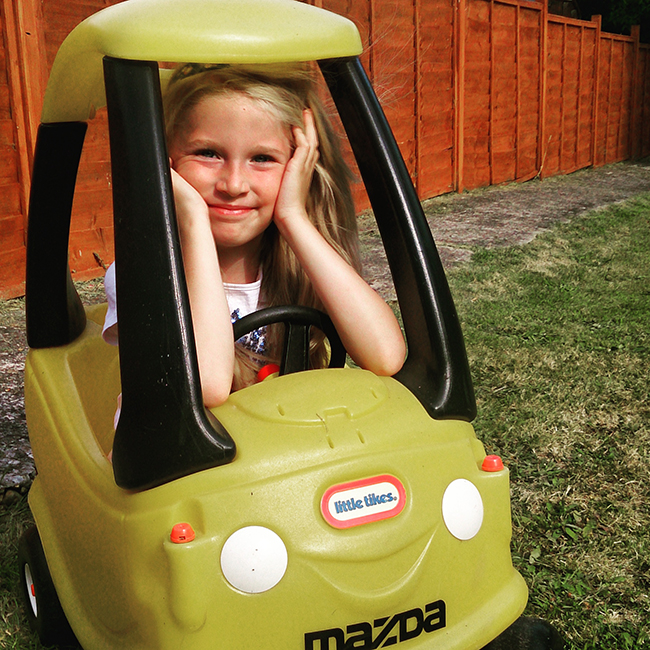 girl-yellow-car-cuteness-todaymyway