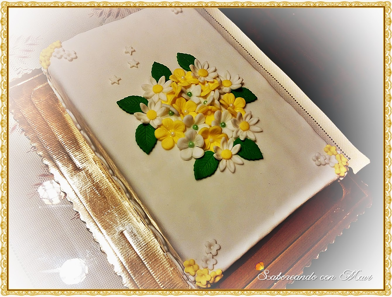 Tarta Fondant Con Florecitas