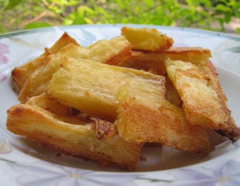 """Mandioca """"Frita"""" no Forno (vegana)"""