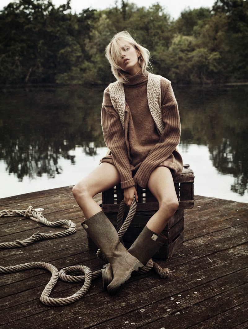 Into the Wild, Vogue Paris November 2014, Anja Rubik