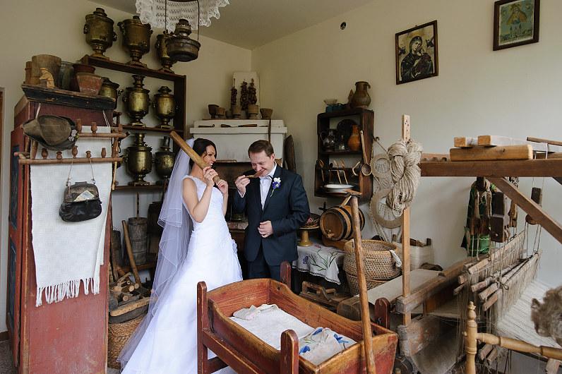 vestuvių fotosesija muziejuje