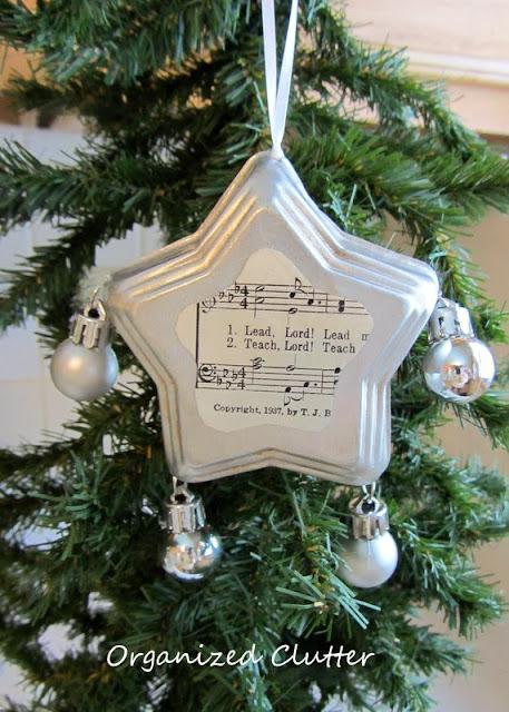 Jello Mold Star Christmas Tree Ornament www.organizedclutterqueen.blogspot.com