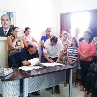 LÍDER DA OPOSIÇÃO PARTICIPA DA CONVENÇÃO MUNICIPAL DO PARTIDO DEMOCRATAS.
