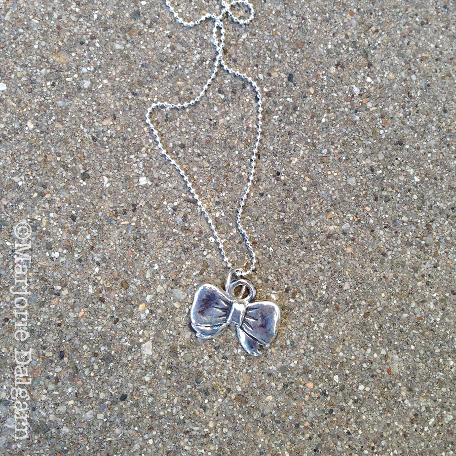 emelinepurcell.etsy.com | bow pendant