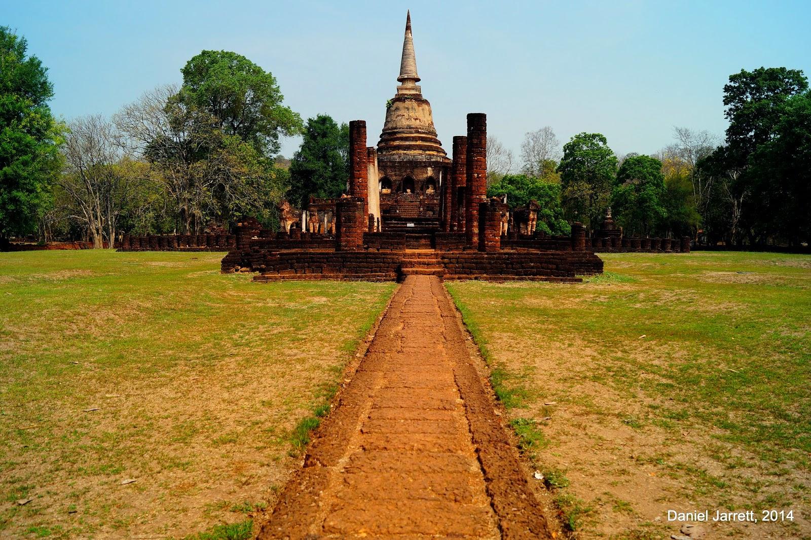 Wat Chang Lom - Si Satchanalai Historical Park