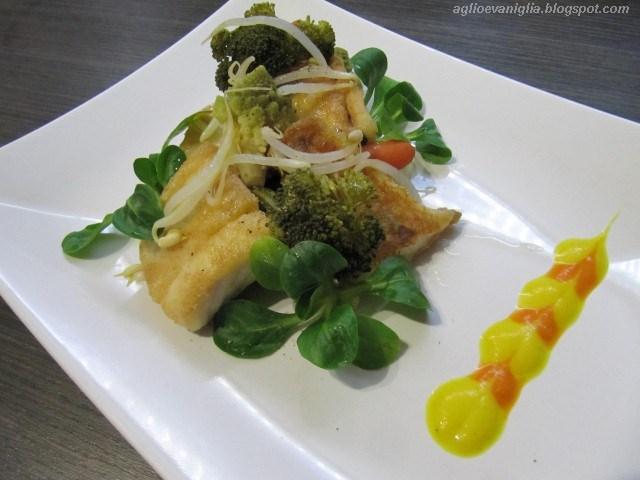 Aglio e vaniglia broccolata di pesce persico in crosta di for Pesce chicco di riso