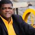 Mendigo que emocionou ao cantar em igreja grava CD e vídeo clipe