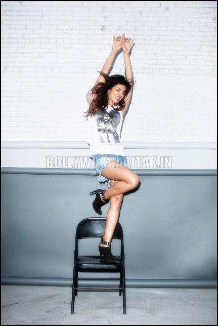 http://2.bp.blogspot.com/-I9Rk6jtPqYM/UtmOeckEaeI/AAAAAAAAh8Q/1KXCIAE19VM/s1600/Priyanka+Chopra+Nylon+Magazine+Photoshoot.jpg