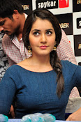 rashi khanna new sizzling pics-thumbnail-18