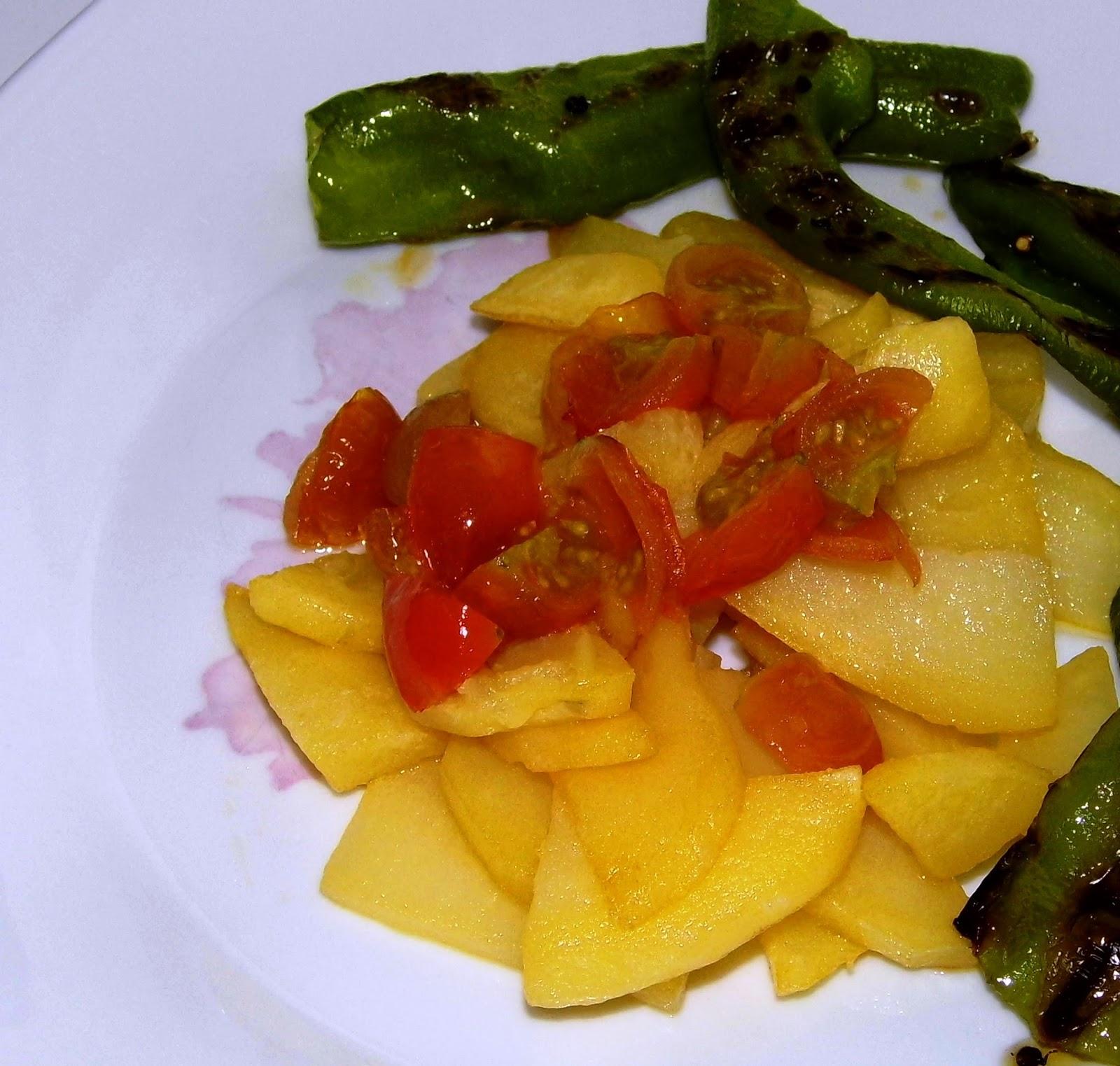 La cocina de lauriteles patatas a lo pobre con tomate for Cocinar patatas a lo pobre