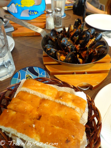 Mussels with Spicy Marinara Sauce
