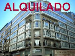 Ático de tres dormitorios en alquiler en Plaza de Lugo, garaje. 1.000€