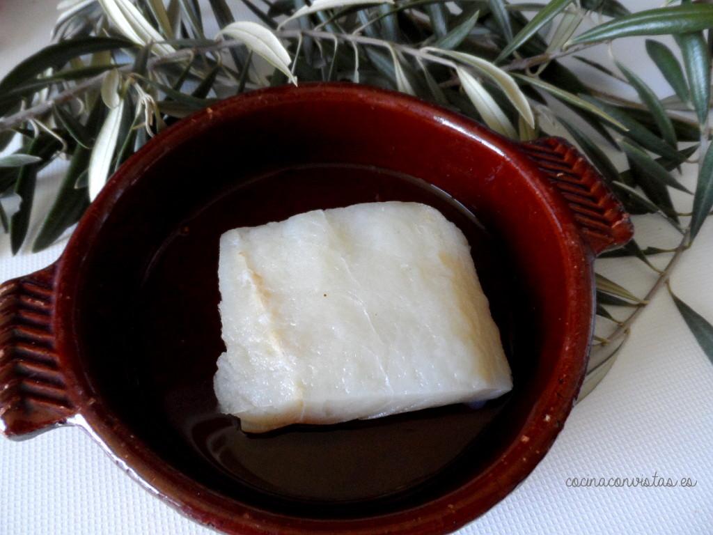 Cocina con vistas bacalao confitado sobre verduras - Cocinar bacalao desalado ...