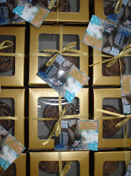 Gift Box Cupcakes