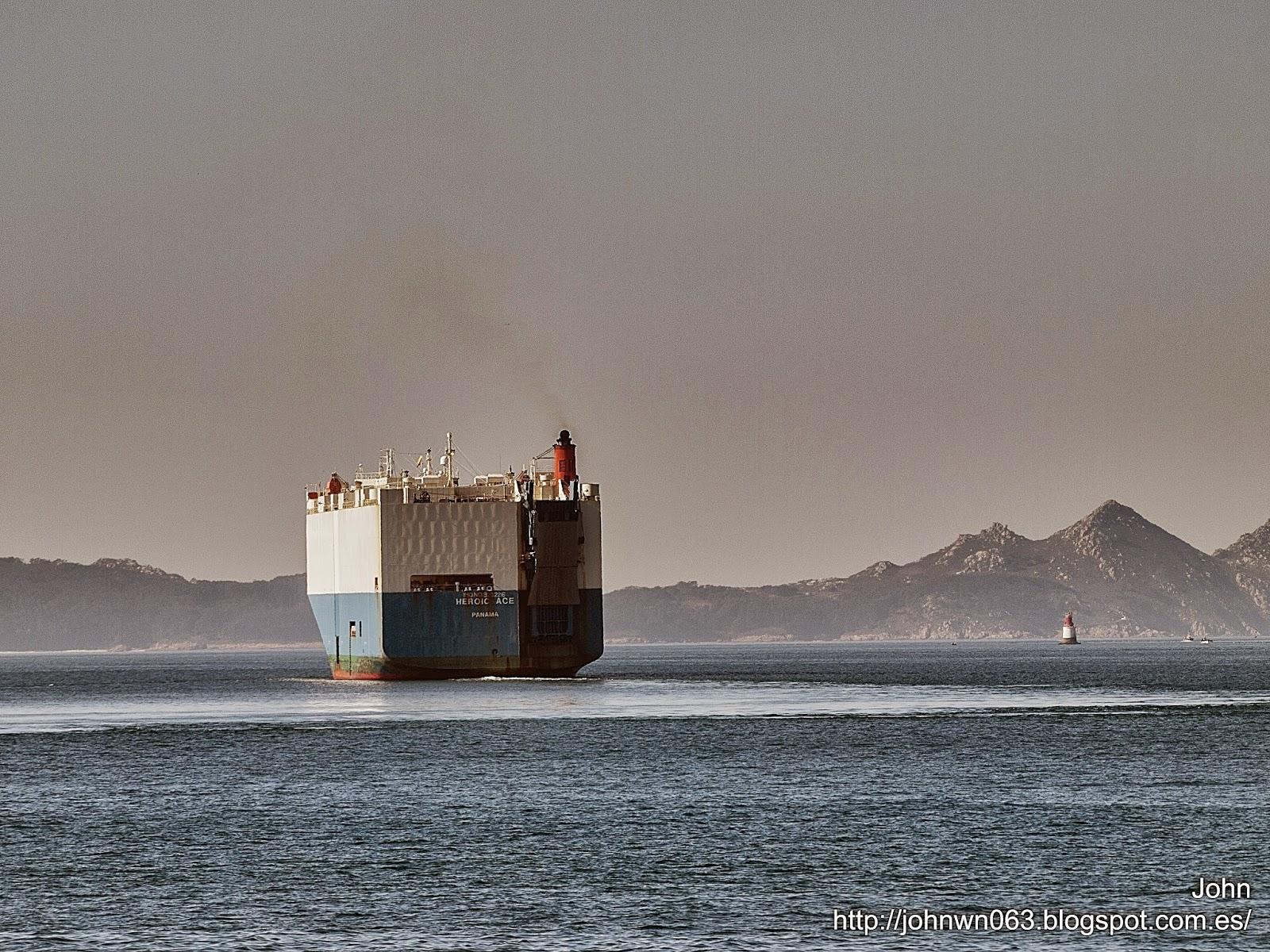fotos de barcos, imagenes de barcos, heroic ace, car carrier, vigo