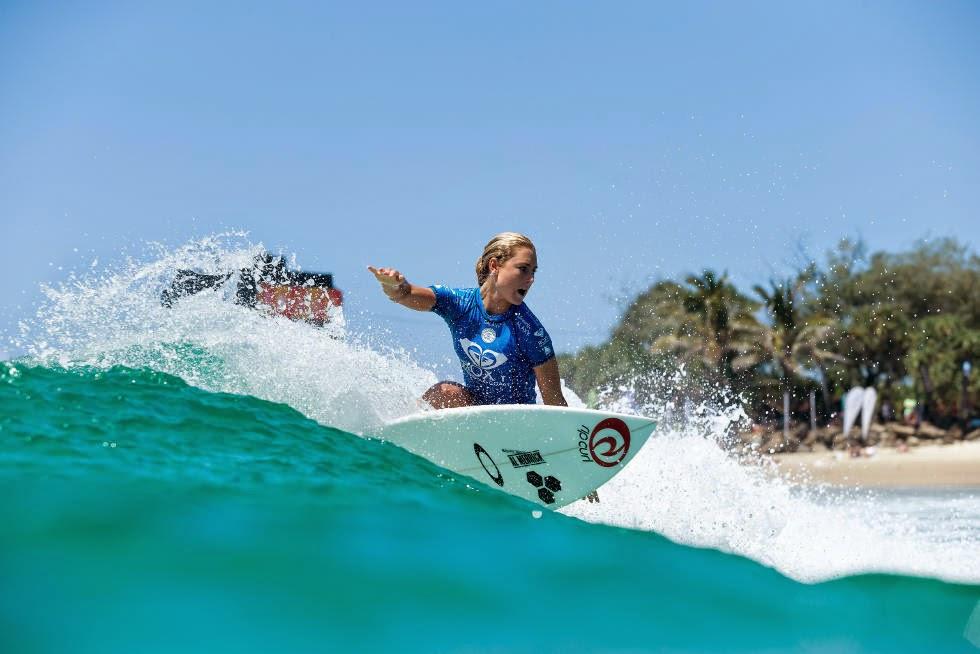 52 Roxy Pro Gold Coast 2015 Nikki Van Dijk Foto WSL Kelly Cestari
