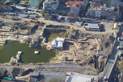 Heavy equipment damages Yenikapı excavation site