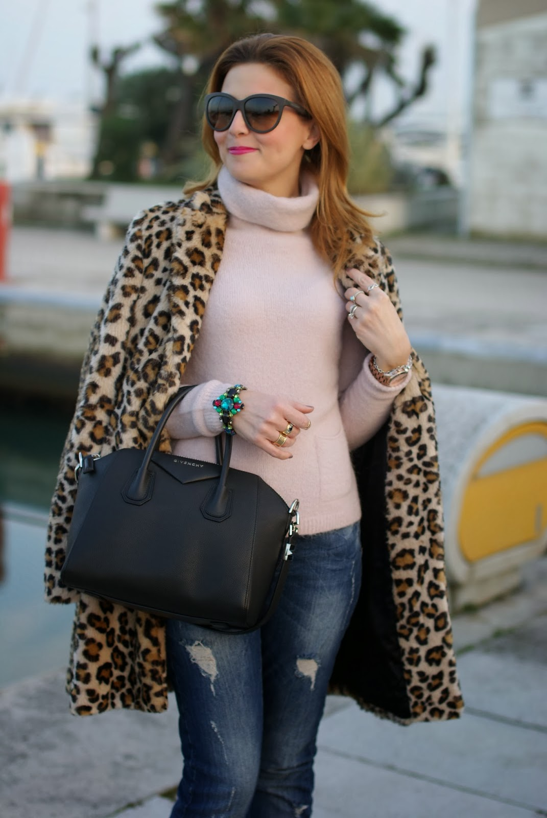 zara leopard coat, leopard faux fur coat, pink sweater, pink sweater, givenchy antigona bag, fashion and cookies, fashion blogger