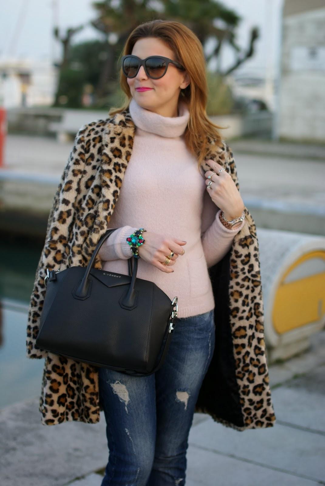 zara leopard coat, leopard faux fur coat, pink sweater, pink sweater, givenchy antigona bag, fashion and cookies, fashion blogger