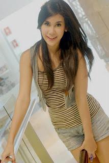 http://2.bp.blogspot.com/-IB0Lx-a1-CI/TmzjShbdjeI/AAAAAAAAAqE/PKxzcAq4heM/s1600/Anisa%2BChibi.jpg