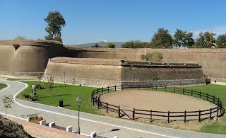 Citadel Alba Carolina (Alba Iulia) - land riding