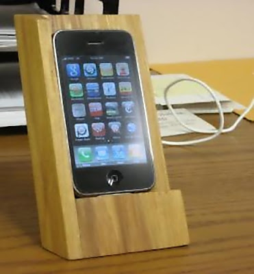 Cool iPhone Holders and Creative iPhone Holder Designs (15) 8