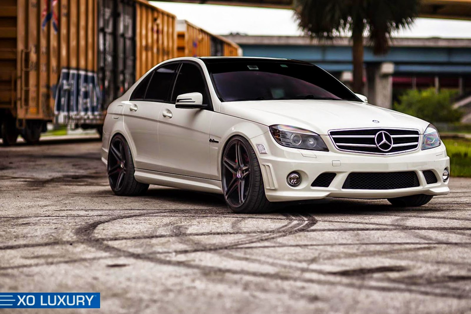 mercedes benz w204 c63 amg on xo luxury wheels benztuning. Black Bedroom Furniture Sets. Home Design Ideas