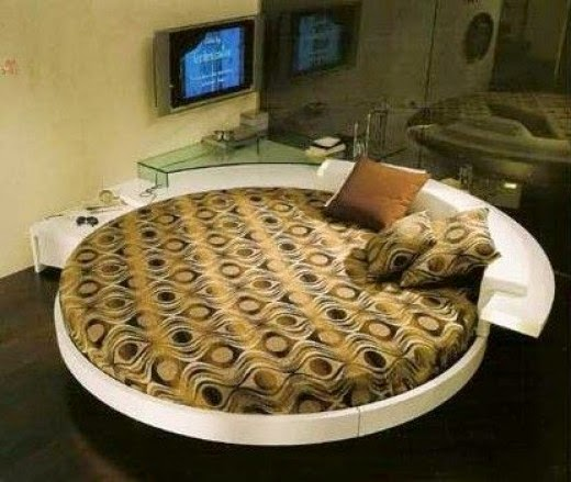 Rotate Italian Round Bed