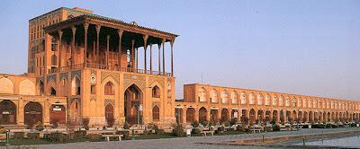 Nakş-ı Cihan Meydanı- Ali Kapısı