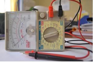 alat ukur multimeter (ohm meter)