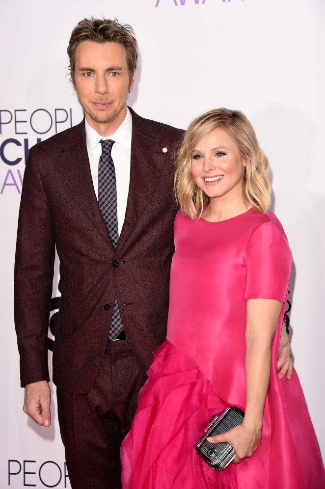 Kristen Bell in a pink Monique Lhuillier dress at the 2015 People's Choice Awards in LA